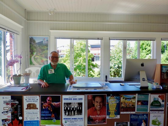 Sidney, Canadá: Our friendly Visitor Services Counsellors are here to assist you!