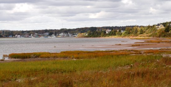 Charlottetown, Canadá: Charming inlet on PEI