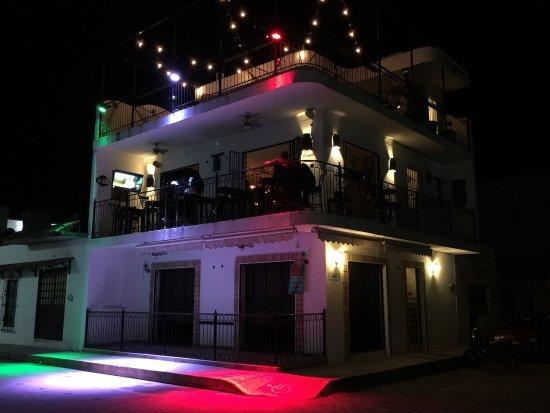 San Blas, เม็กซิโก: Cócteles sofisticados, ambiente relajado, variedad de bebidas, lugar agradable, música adoc