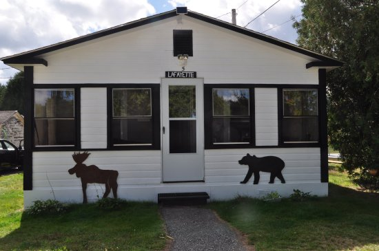 Twin Mountain, NH: Mount Lafayette 2 bedroom pet friendly family cottage