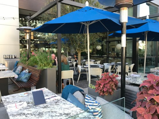 Patio Seating Picture Of Earls Kitchen Bar Plano