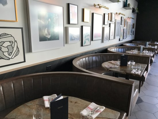 Booth Seating Picture Of Earls Kitchen Bar Plano