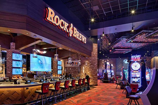 Highland, Californien: It's Showtime at Rock & Brews...
