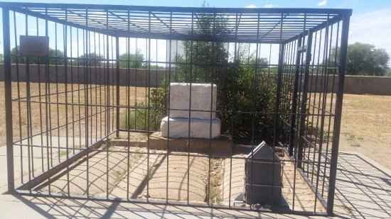 Old Fort Sumner Museum: Billy the Kid Grave