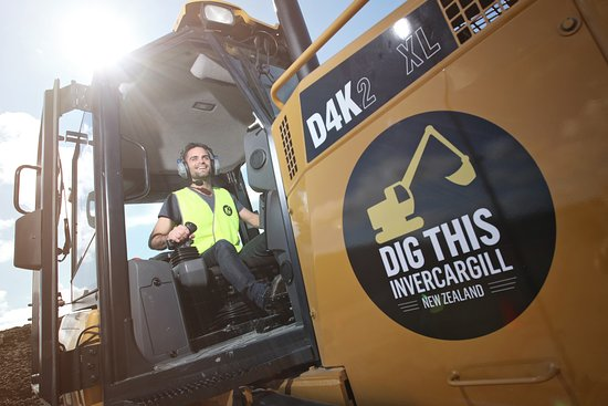 Invercargill, New Zealand: Mega Dig - Bulldozer