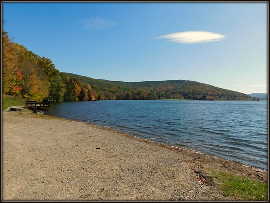 Allegany State Park: Quaker Lake in the Fall