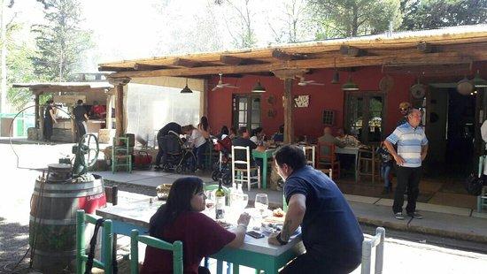 Vista Flores, Argentina: La Juntada Pulperia