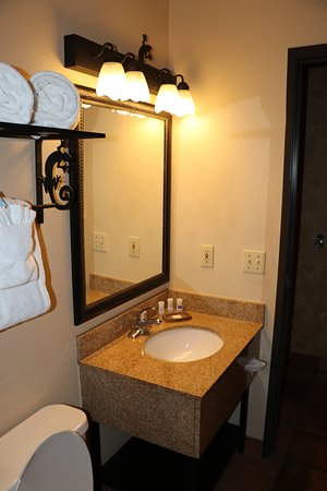 Best Western Plus Inn of Santa Fe: bathroom