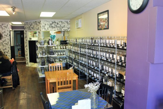 Fergus, Canada: great selection of teas...over 300!!
