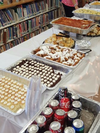 Coral Springs, FL: We do all types of catering.  School party?