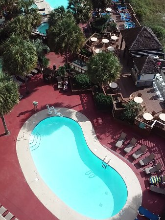 Beach Cove Resort: Looking down from the room