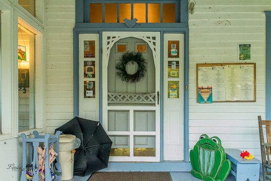 Starlight, PA: Front door