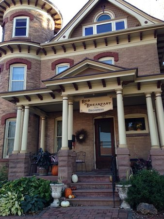 Broadway Bed And Breakfast Decorah
