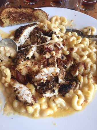 Sparks, NV: Mac N Cheese with chicken