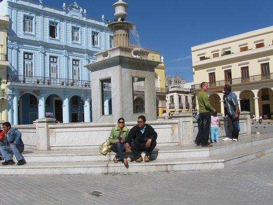 Place Vieille (Plaza Vieja) : Una exelente visita