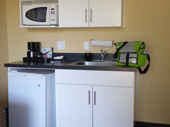 Lake Oswego, Oregón: Lakeshore Inn - kitchenette