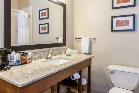 Vincennes, IN: Bathroom