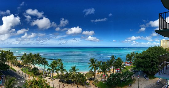 Aston Waikiki Circle Hotel : Oceanfront room from the balcony!