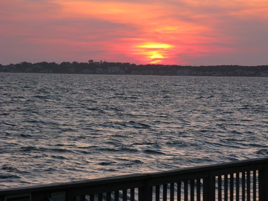 Crow's Nest Resort: Beautiful sunsets abound