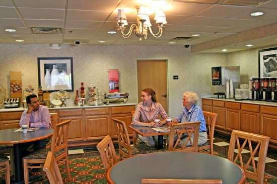Max Meadows, VA: Breakfast Dining Area