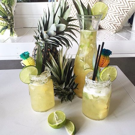 Mermaid Beach, Australia: Pineapple Margarita Jug