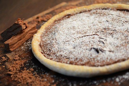 Maries Pizza Tugun: Hazelnut Chocolate pizza
