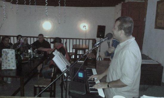 Antioquia Department, Kolombia: la mejor musica colombiana, romantica. sesentas y tropical en vivo