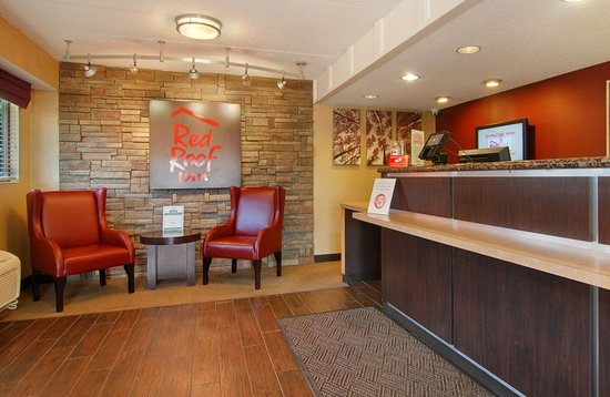 Red Roof Inn Cleveland East - Willoughby: Lobby