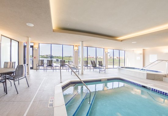 Indoor Pool Hot Tub Picture Of Fairfield Inn Suites Des Moines Altoona Altoona Tripadvisor