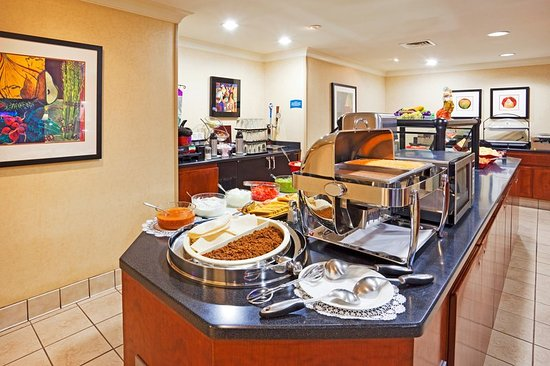Staybridge Suites Chattanooga Downtown: Sundowner Buffet