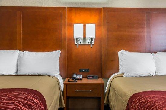 Queen Room Picture Of Comfort Inn Midtown Savannah