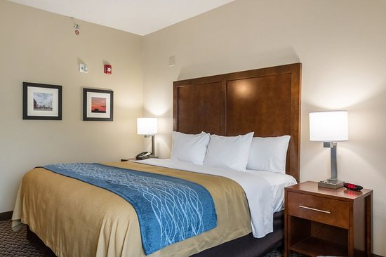 Edwardsville, IL: Guest room