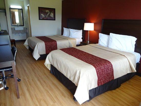 สกอตส์บูร์ก, อินเดียน่า: Deluxe 2 Full Beds