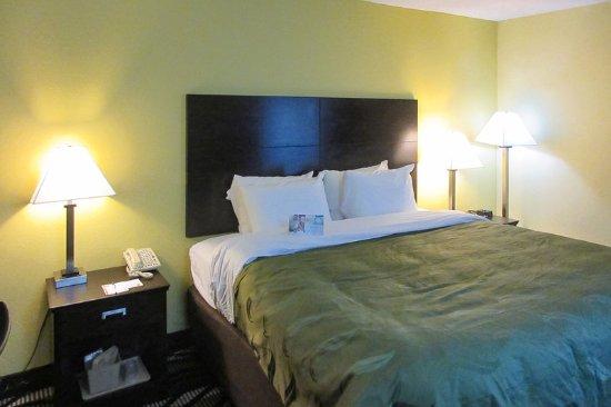 Holly Springs, MS: Guestroom