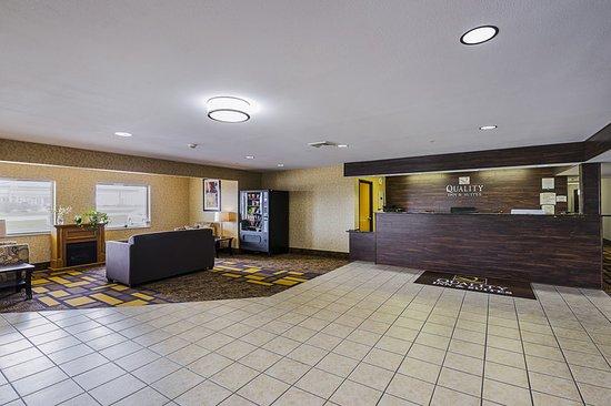 Belmont, WI: Lobby