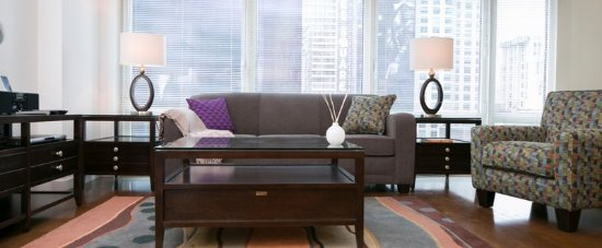 1600 Broadway on the Square: Living Room