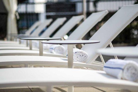El Segundo, CA: Relax by the pool