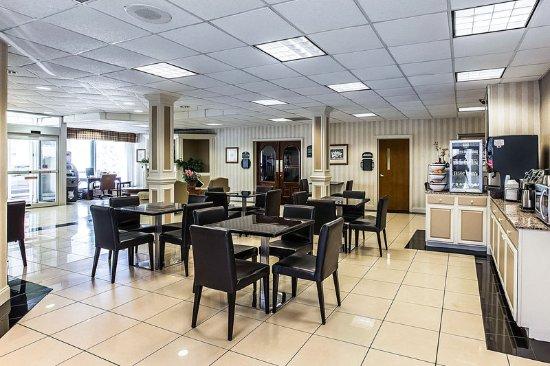 Rodeway Inn Millenium Greenville Sc Hotel Anmeldelser Sammenligning Af Priser Tripadvisor