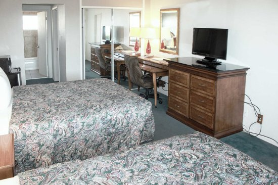 Rodeway Inn & Suites San Francisco: Guest room with added amenities