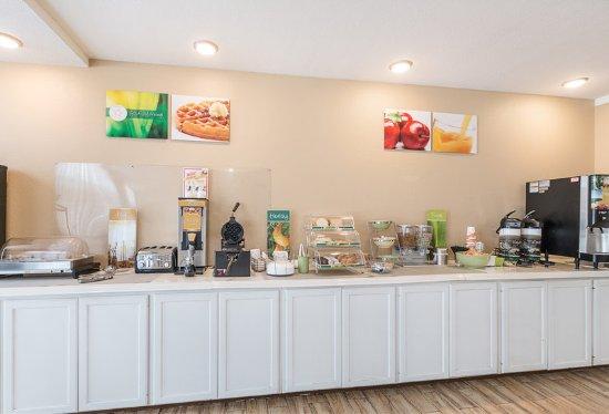 Temple, TX: Breakfast area