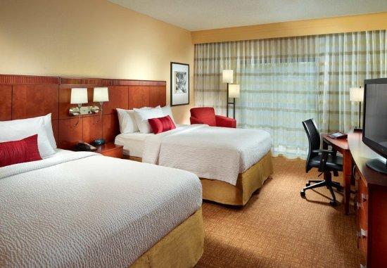 Homewood, AL : Queen/Queen Guest Room