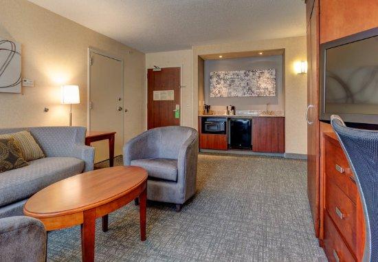 Hadley, MA: Suite Living Area