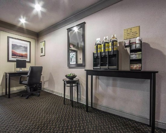 Maple Ridge, Canada: Coffee In The Lobby