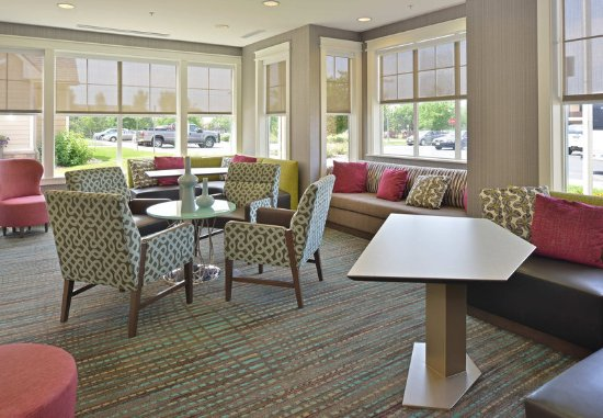 Loveland, CO: Lobby Seating Area