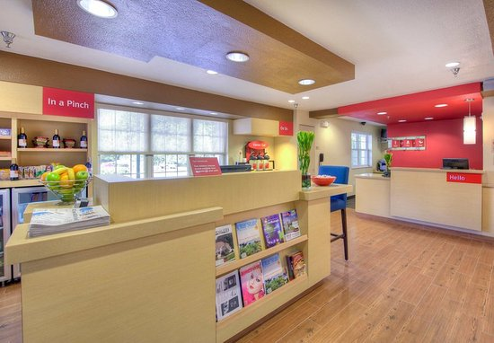 Cary, NC: Business Center & Front Desk
