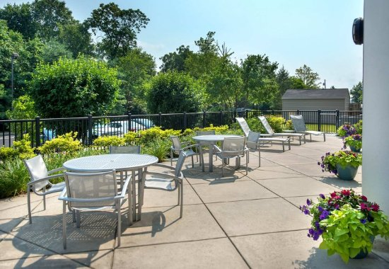 Plymouth Meeting, PA: Outdoor Patio