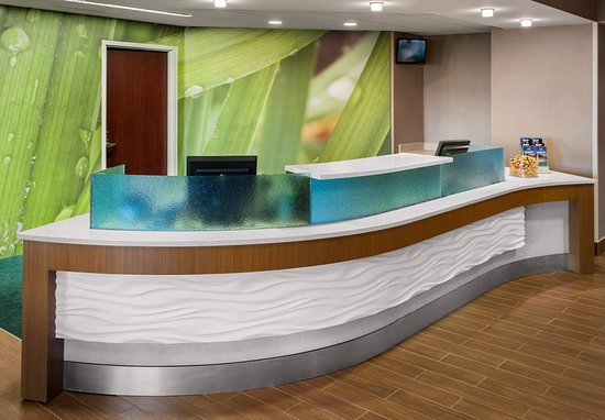 Willow Grove, PA: Front Desk
