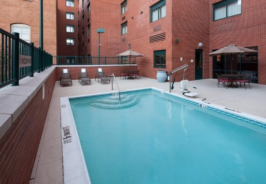SpringHill Suites Dallas Downtown/West End : Outdoor Pool