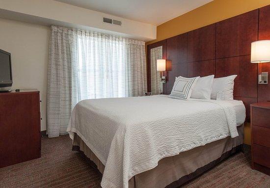 West Greenwich, Rhode Island: One-Bedroom Suite