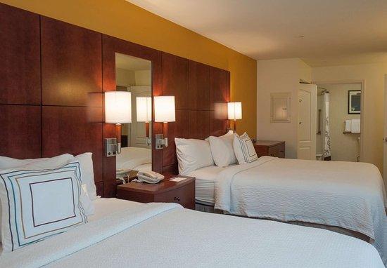 West Greenwich, Rhode Island: Queen/Queen One-Bedroom Suite
